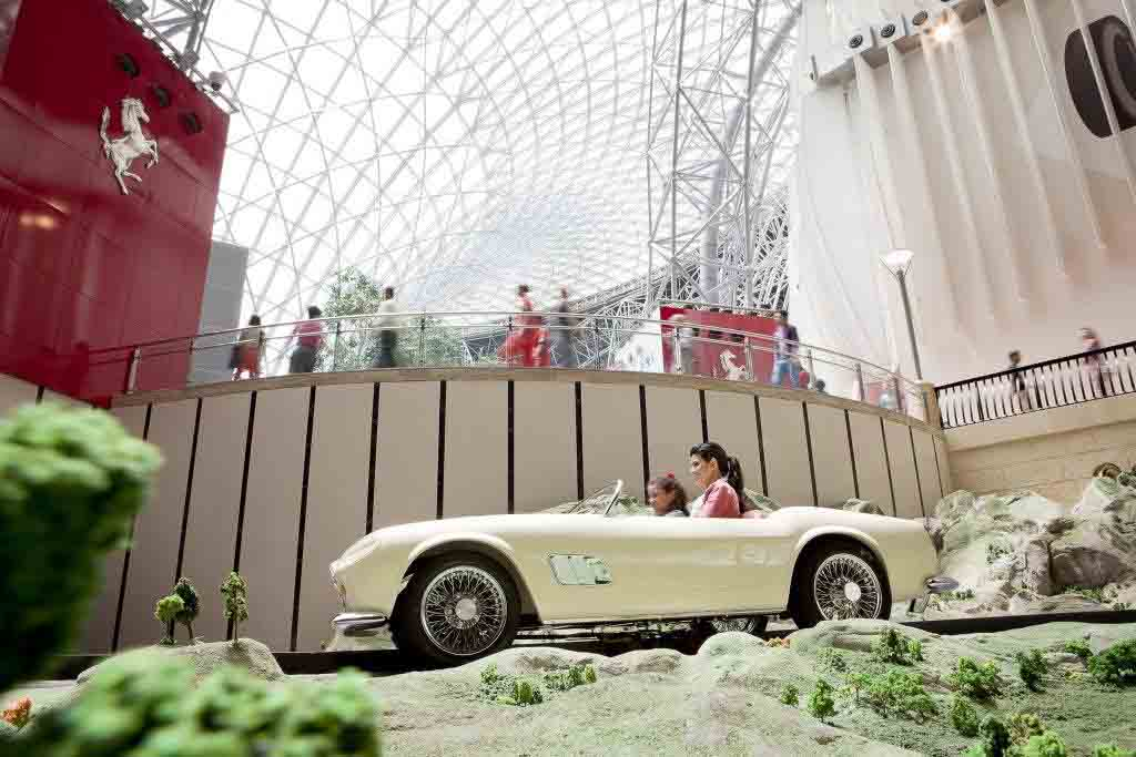 Ferrari World Абу Даби