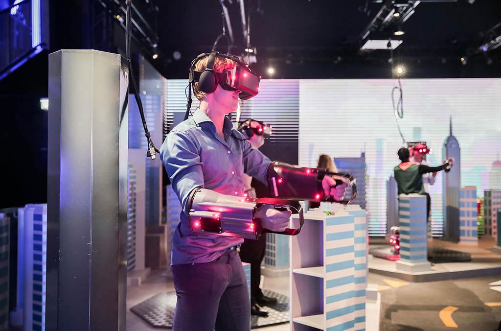 Парк виртуальной реальности дубай квартиры в халландейл бич